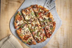 Create Your Own Chicago Thin Crust Pizza