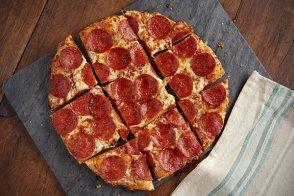 Super Roni Chicago Thin Crust Pizza Pizza